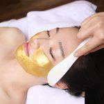 Premium_Modelnig_Mask_Gold_on_face_2_1000x.jpg